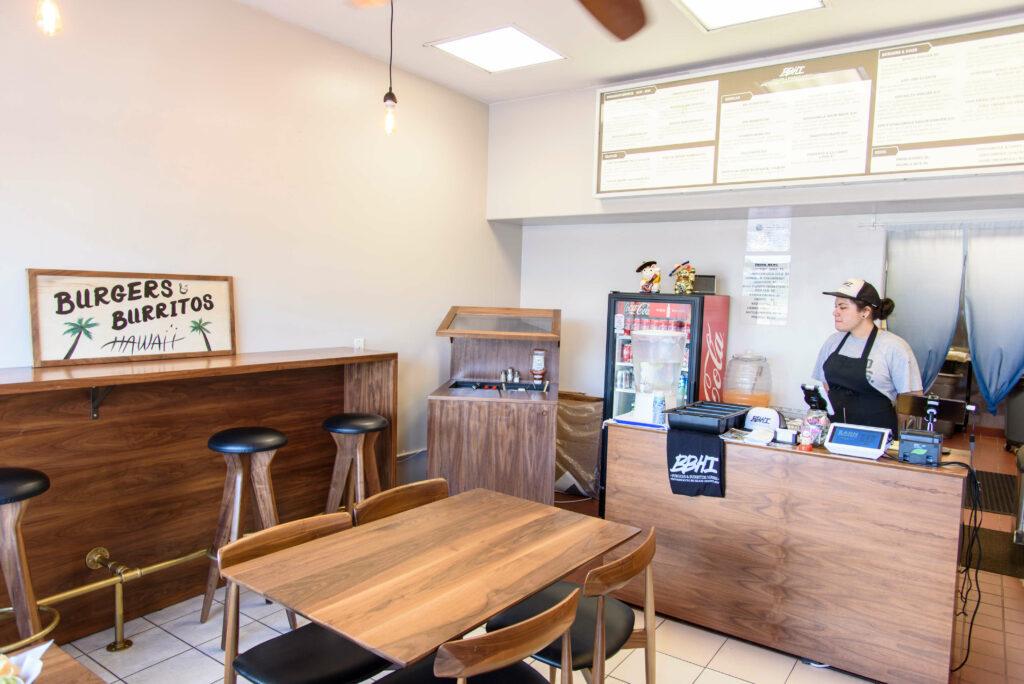 バーガー&ブリトー・ハワイの店内