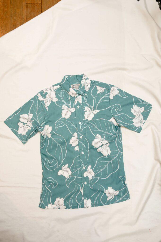 コットン素材のアロハシャツ