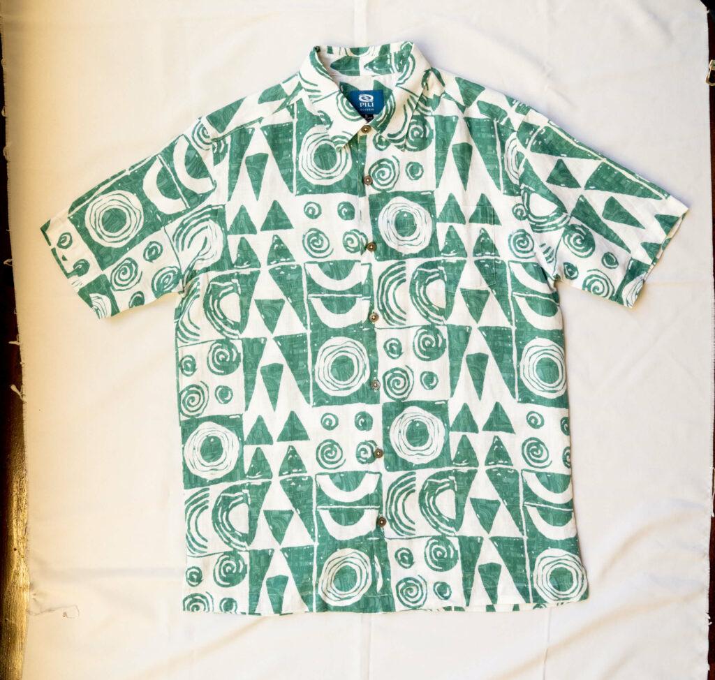 MAKAWALU(8つの目)のアロハシャツ
