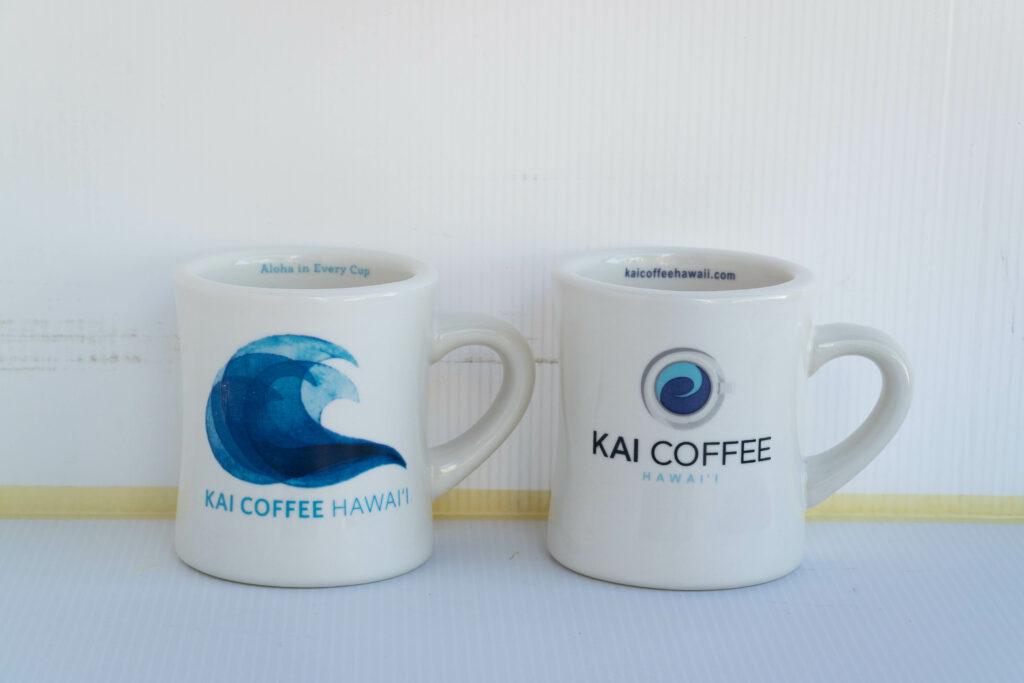 青い波のマグカップ