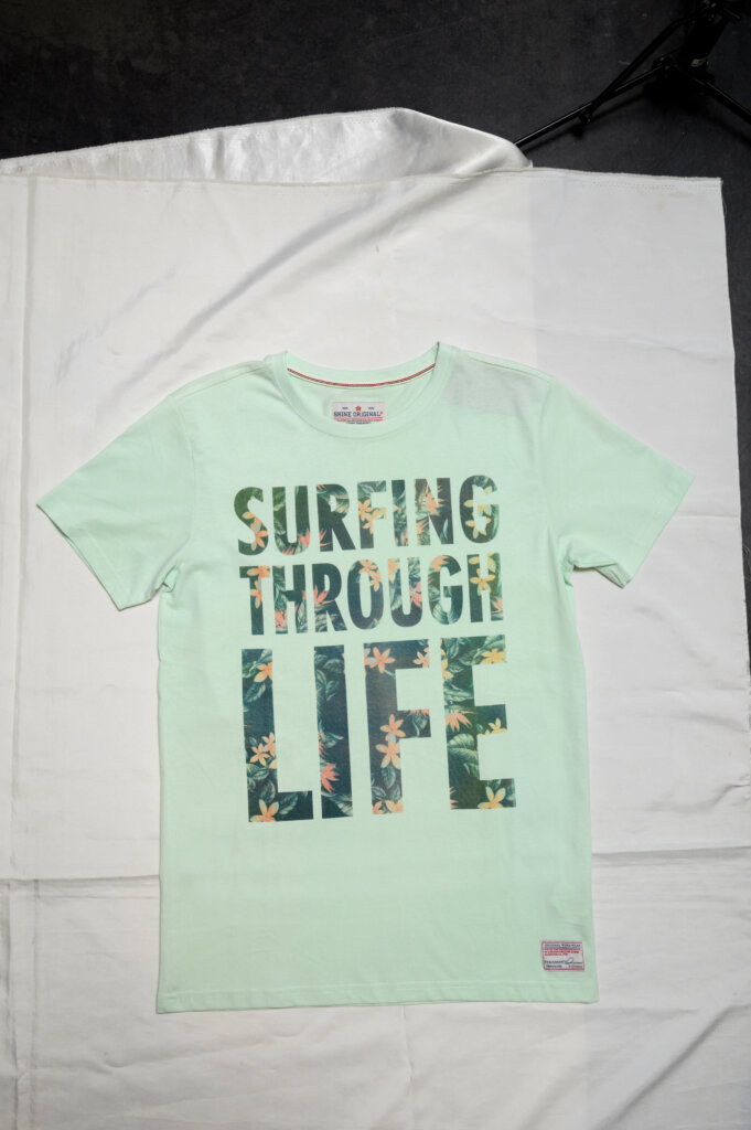 ミントカラーのTシャツ