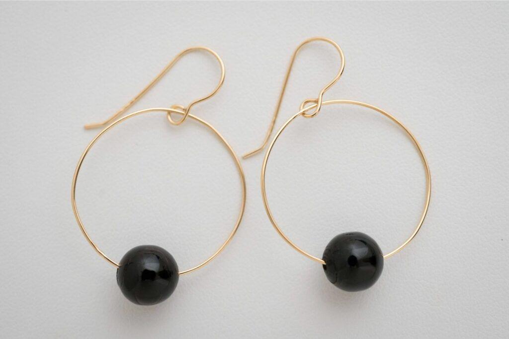 黒さんごのイヤリング