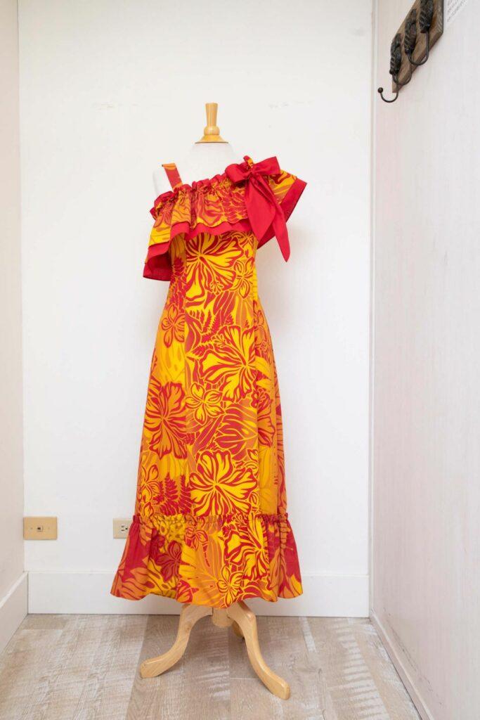 女性用のドレス