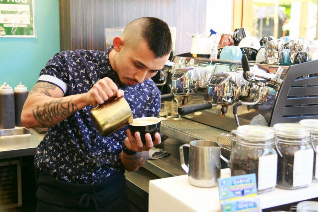 カイ・コーヒー・ハワイのバリスタ
