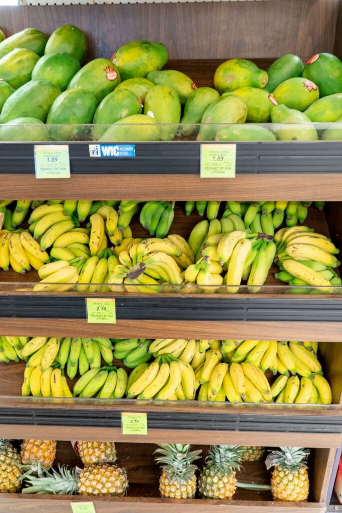 オアフ産の新鮮フルーツ